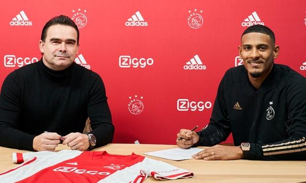 Ajax : Marc Overmars (Directeur Sportif) croit dur comme fer en Sébastien Haller