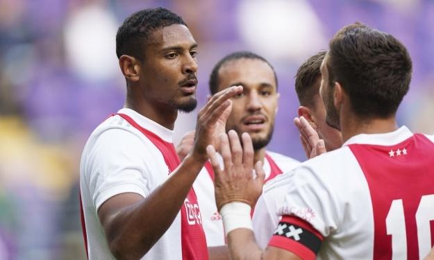 Amical : Grâce à un doublé de Sébastien Haller, l'Ajax s'impose devant Anderlecht