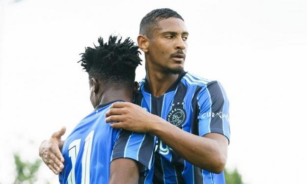 Amical : L'Ajax domine largement Paderborn avec une réalisation de Sébastien Haller