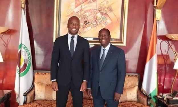 Après l'annonce de sa candidature pour la FIF, Drogba reçu par le Président de la République