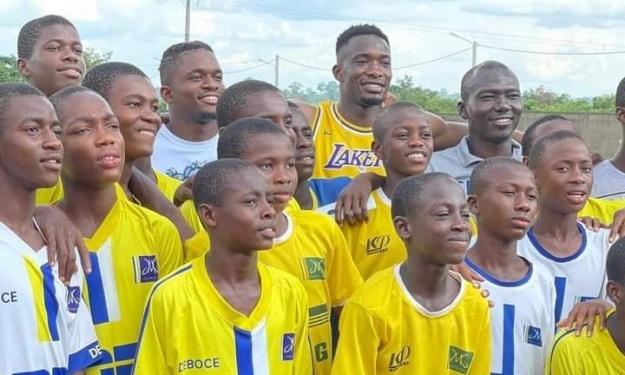 Après Yaya Touré, les pensionnaires de l'Académie JMG de Djékanou ont reçu la visite de Sinaly Diomandé et Cheick Doucouré