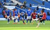 Au terme d'un match fou, Bailly et Manchester United s'imposent face à Brighton