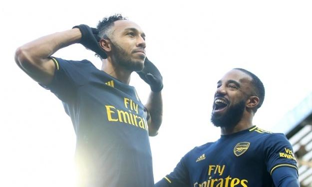 Aubameyang sauve Arsenal d'une défaite pour la 1ère de Ljungberg