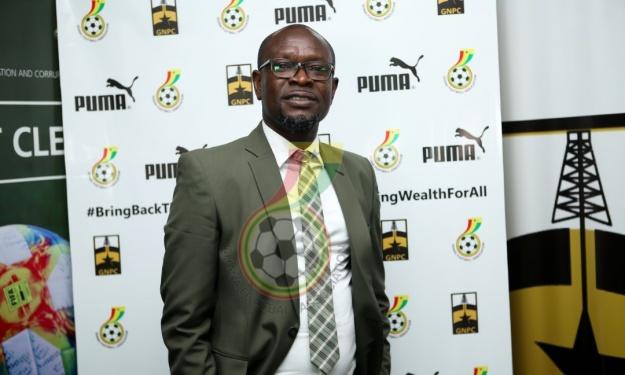 Black Stars : Charles Akonnor et ses adjoints licenciés pour insuffisance de résultat
