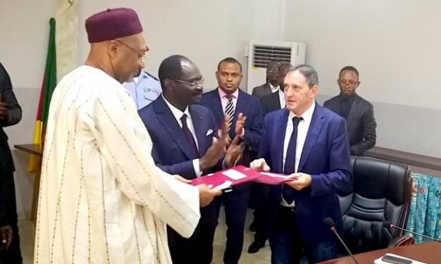 Cameroun : Le nouveau sélectionneur et ses adjoints ont officiellement signé