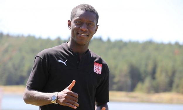 Ce qu'il réserve aux fans de Sivasspor, l'influence de Drogba et d'Arouna Koné dans son choix… Max Gradel se livre