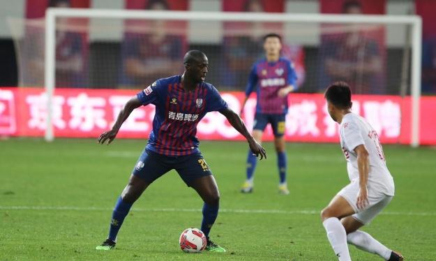 Chine : Yaya Touré et son club proches d'une montée historique en 1ère division