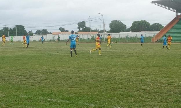 CIV Ligue 2 (12è J) : Le FC Mouna s'incline ; Issia perd sa place de leader ; L'EFYM et  Korhogo accrochés (résultats et classements)