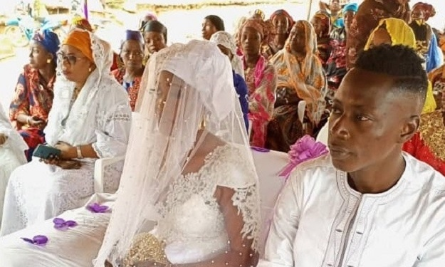 Coin du Bonheur : le meilleur buteur de la SOA s'est marié
