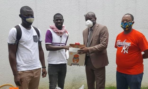 COVID-19 : La Fédération Ivoirienne de Basketball aux côtés des étudiants de l'AUC