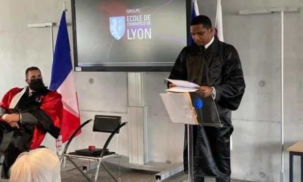 Distingué par l'Ecole de Commerce de Lyon, Samuel Eto'o rejoint d'éminentes personnalités dont Alassane Ouattara
