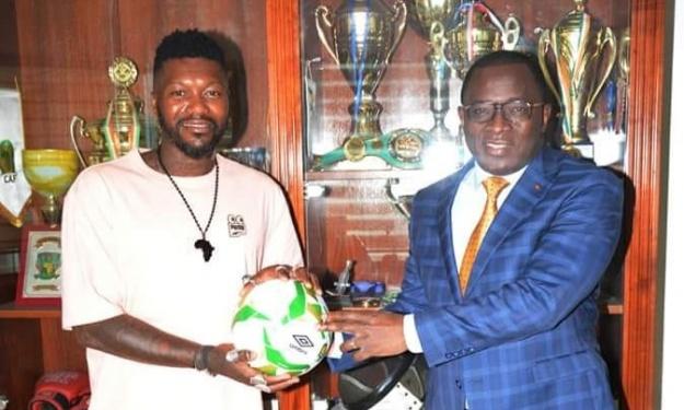 Djibril Cissé reçu en audience par le Ministre des Sports