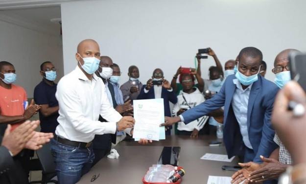 Election FIF : Drogba reçoit officiellement le parrainage des arbitres