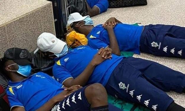 Elim. CAN 2021 : La délégation Gabonaise passe la nuit à l'aéroport de Gambie