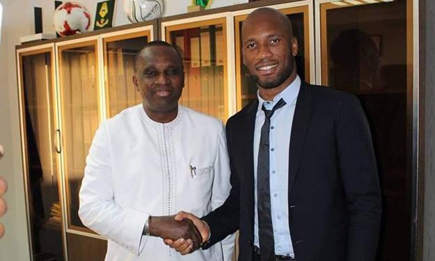 Feguifoot : Didier Drogba en visite de courtoisie chez le président Antonio Souaré
