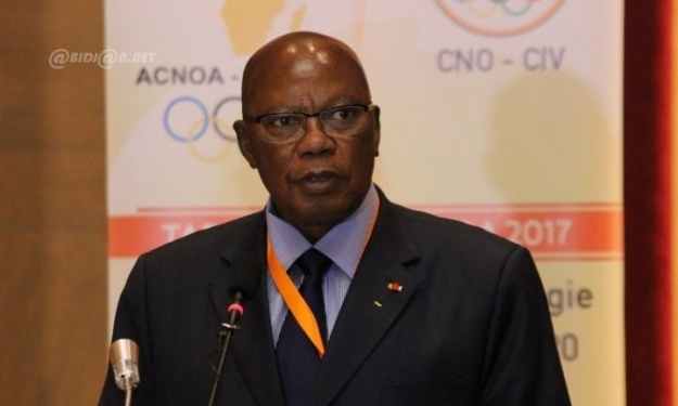FIF : Drogba brille par son absence à une rencontre entre le Général Palenfo et les candidats à la présidence