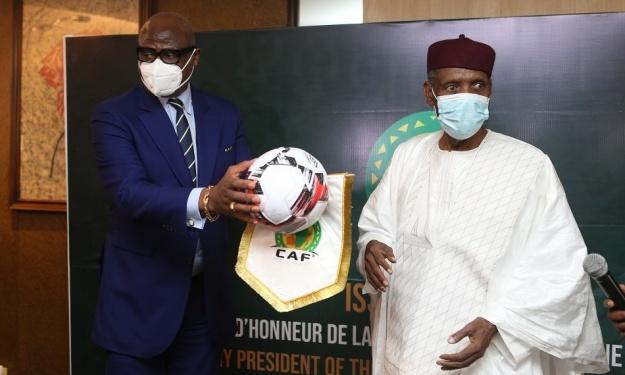 Fraichement intronisé Président d'honneur de la CAF, Issa Hayatou prend rendez-vous avec la Côte d'Ivoire