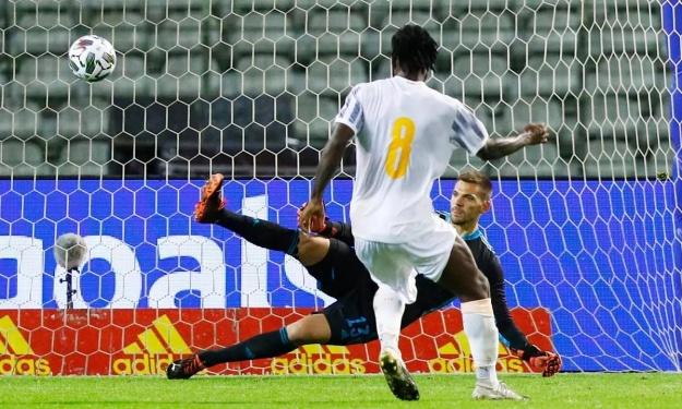 Franck Kessié décisif sur penalty, un classique