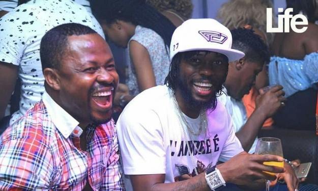 Gervinho fête son anniversaire dans une chic discothèque d'Abidjan (Images)