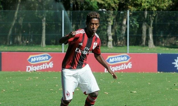 Italie : Un ancien espoir du Milan AC s'est suicidé