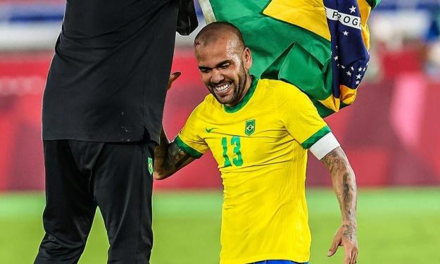 JO (Foot) : Le Brésil conserve son titre, Daniel Alves entre un peu plus dans l'histoire