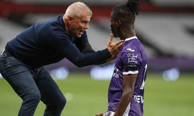 L'entraineur du Toulouse FC de Bayo Vakoun limogé