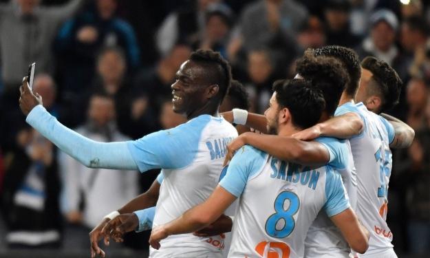 La célébration 2.0 de Balotelli déjà disponible dans PES; l'Italien veut la voir dans FIFA
