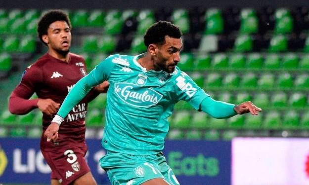 Ligue 1 : Angers renoue avec la victoire grâce à Angelo Fulgini