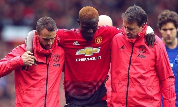 Manchester United va prolonger Bailly malgré sa blessure