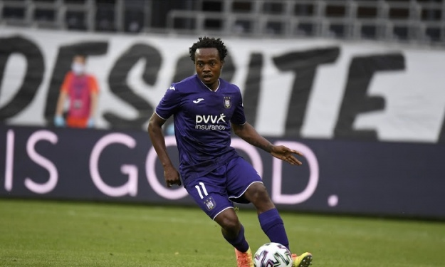 Percy Tau retourne en Premier League