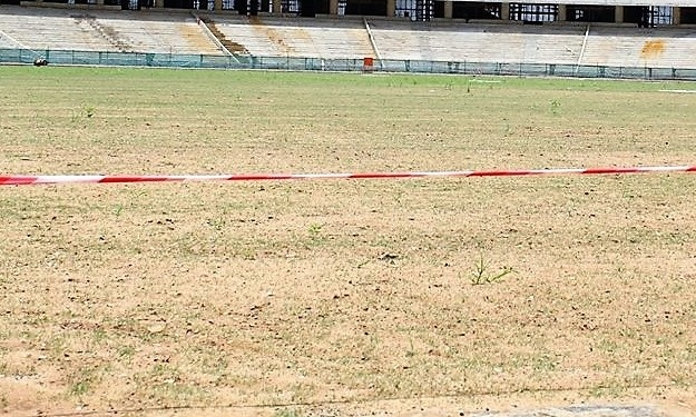 Pourquoi du ''chiendent'' pour la pelouse du Stade d'Ebimpé ?