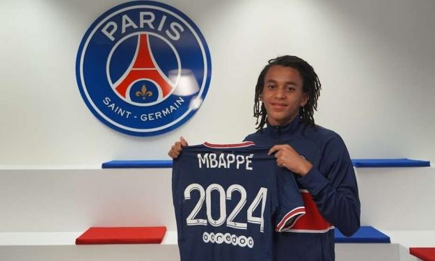 PSG : Mbappé signe un contrat aspirant