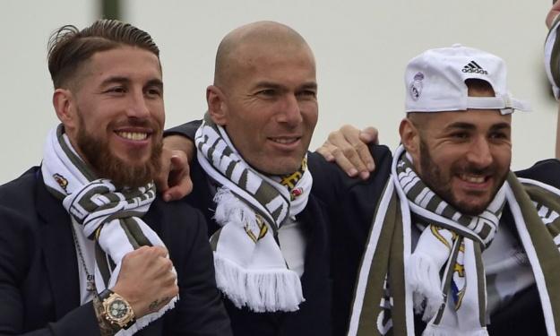 Ramos et Benzema rendent hommage à Zidane après son départ du Real