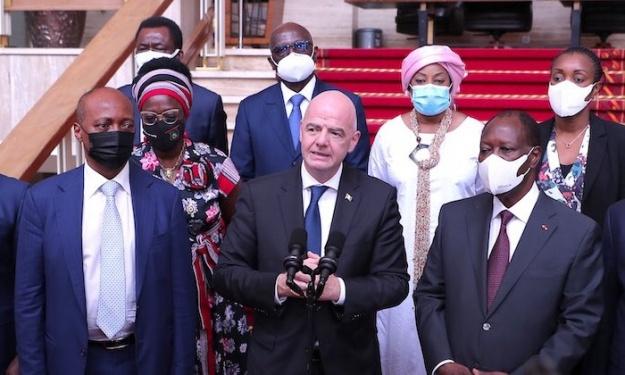 Retour en images sur l'audience accordée aux Présidents de la FIFA et de la CAF par SEM Alassane Ouattara