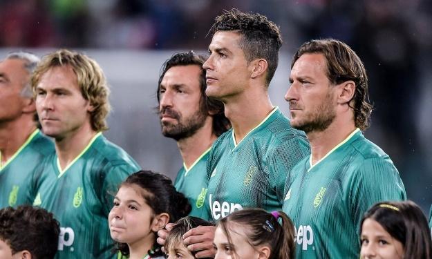 Ronaldo, Pirlo, Totti, Nedved… ont mouillé le maillot ensemble pour la bonne cause