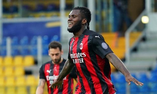 Serie A : Kessié inscrit son 10è but de la saison face à Gervinho et rejoint une légende du Milan
