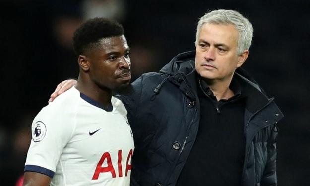 Tottenham/Leicester : Mourinho n'en veut pas personnellement à Serge Aurier