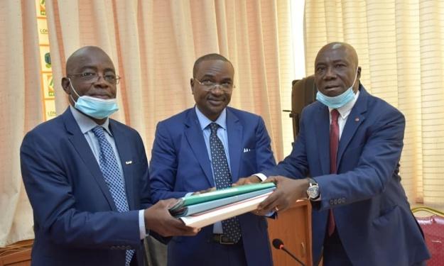 UFOA-B : L'Ivoirien AKA Malan passe le relais à un ancien international Burkinabé