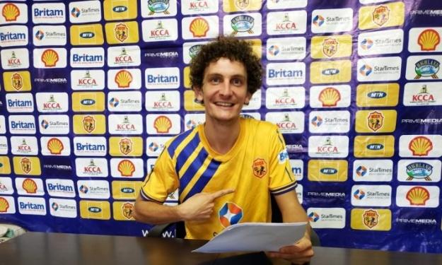 Un milieu Italien signe dans un club Ougandais
