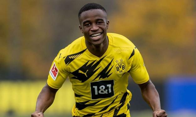 Un prodige Camerounais devient le plus jeune joueur de l'histoire de la Ligue des Champions devant un Nigérian
