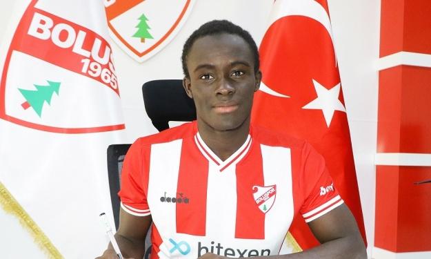 Une pépite Ivoirienne signe son 1er contrat professionnel en D2 Turque